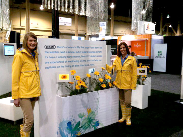 trade show booth staffing